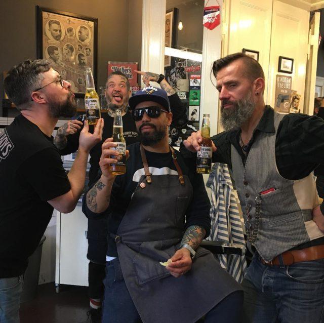 """""""Der Letzte macht die Türe zu"""", aber nicht mit uns!! Wir sind weiterhin für euch in beiden Shops da und freuen uns auf euren Besuch!! Wenn ihr uns ein wenig entlasten wollt, dann bucht bitte online und nicht per Tel. Also dann bis ganz bald, eure Beardy Boys...❤#BeardyBoys#ThefuckingBest#OldschoolBarber#Berlin#Beardlove#Grooming#Classic#Barbermob#BarberschoolBerlin#Roadrunners#Race61#Barbier#Fade#BestInBerlin#Berlin#Friseur#Herrenfriseur"""